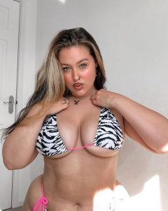 Hot BBW Model Holly Marston