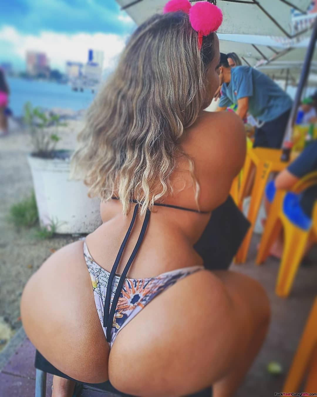 big-booty-bikini-02