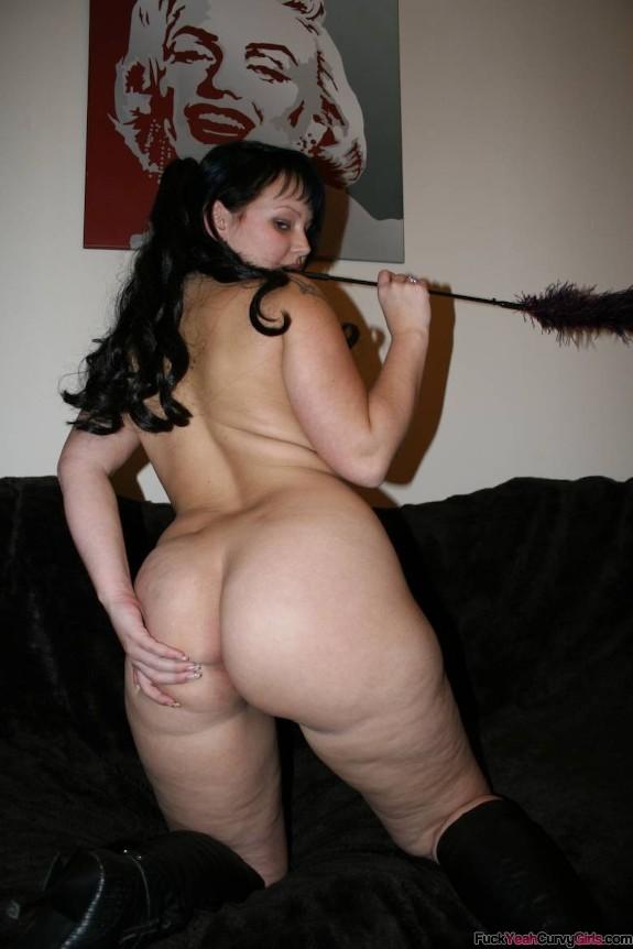 big-booty-girlfriend-02