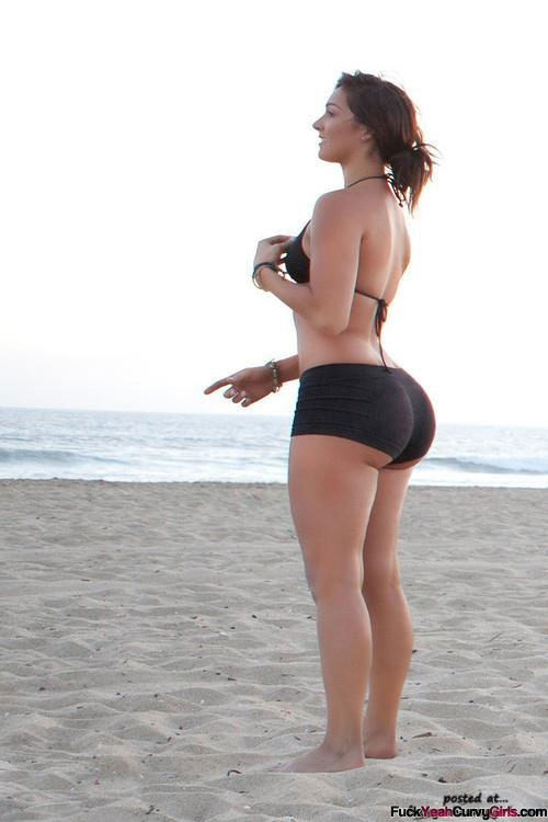 Curvy girl tight shorts