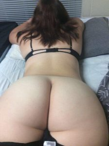 bottomless-pawg-babe