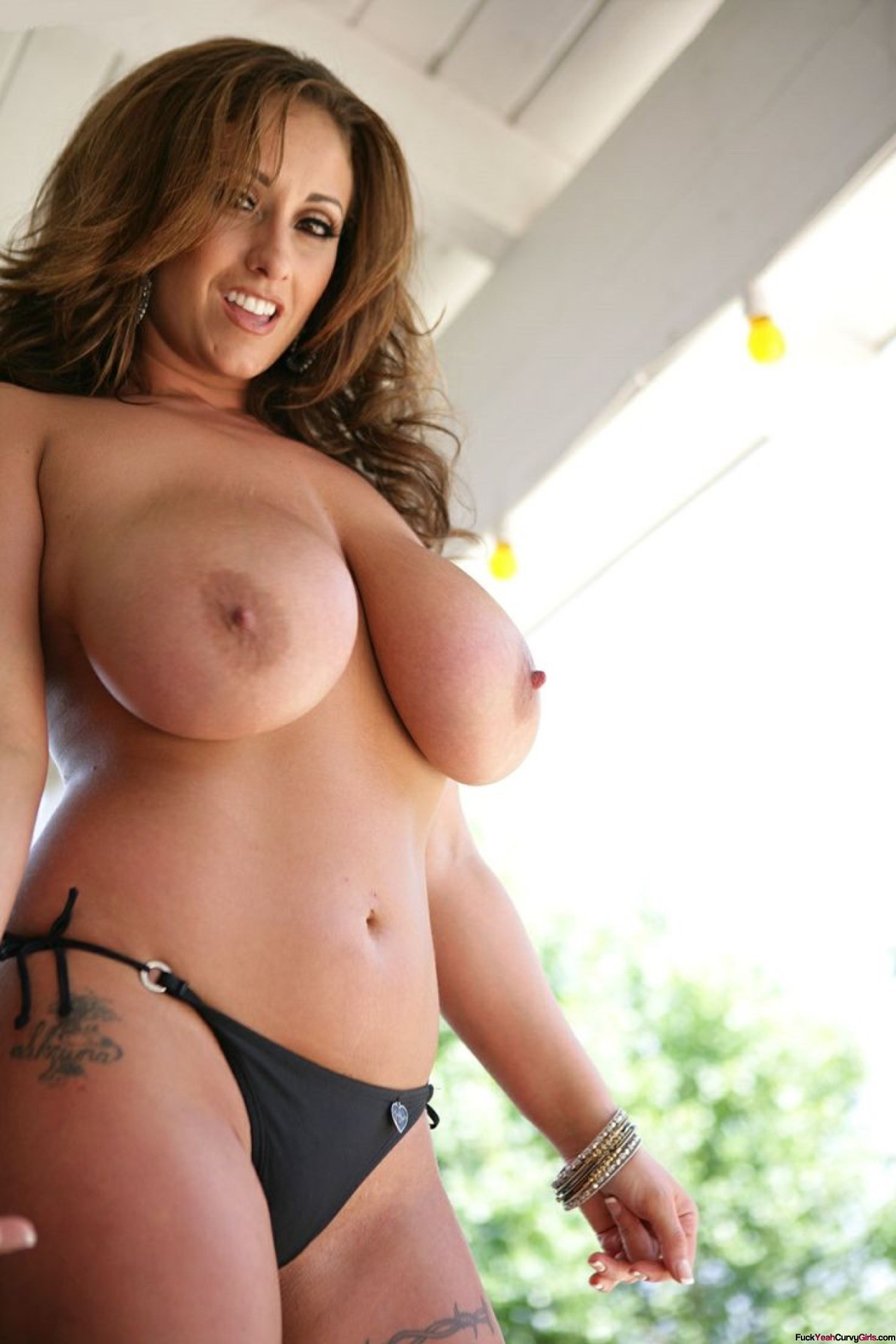 Thick mature naked girl