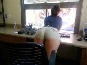 Candid Thick Girl (13 Photos)