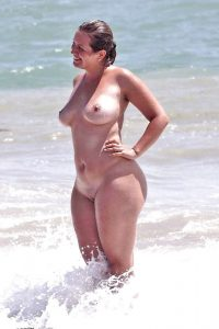 Curvy Babe At Nude Beach