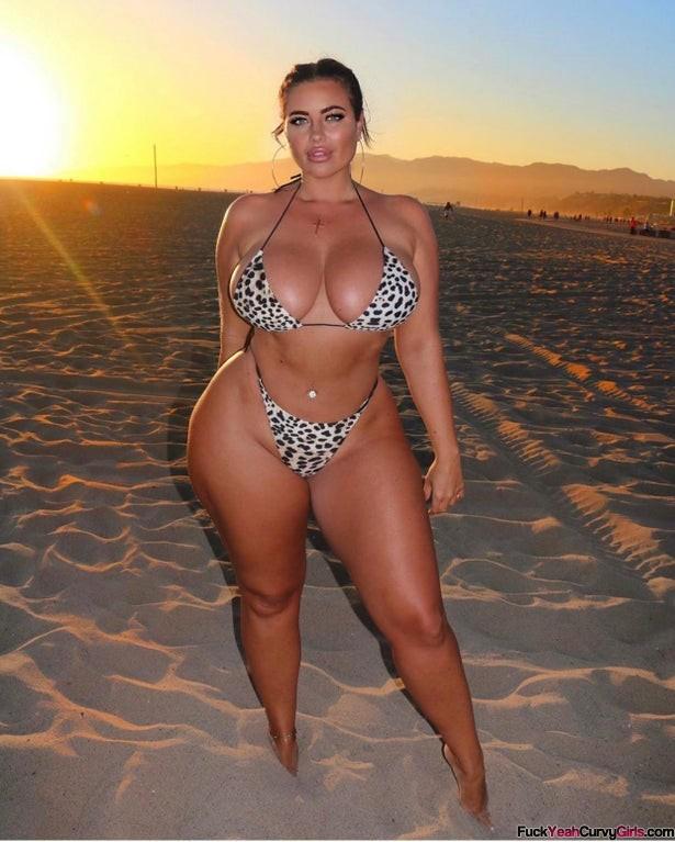 curvy-goddess-DJHannahB