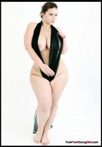 Curvy Pornstar London Andrews