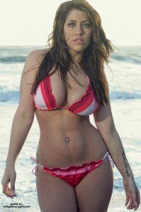 Hot Curvy Redhead In Bikini