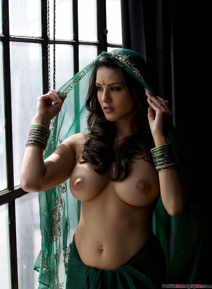Hot Curvy Indian Girl