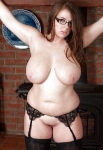 hot-nerdy-chubby-girl-glasses