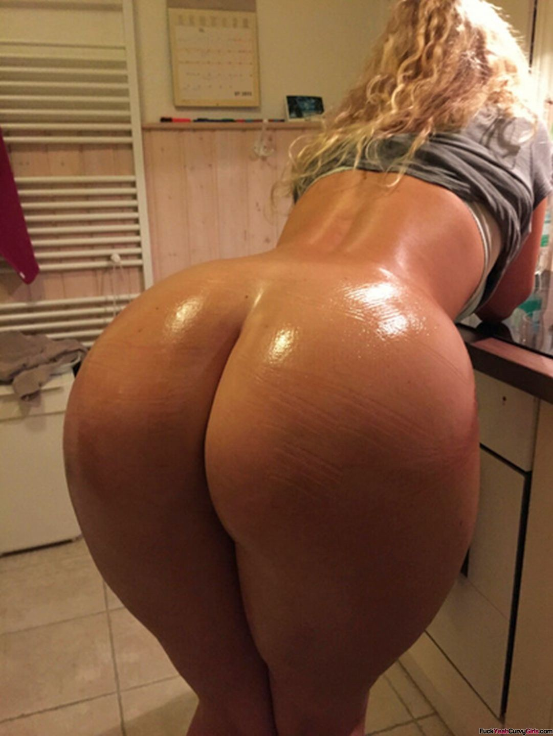 Blonde bubble butt fuck bent