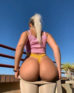 PAWG In A Yellow Thong