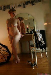 Curvy MILF Hourglass Figure
