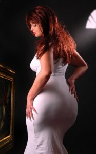 thick-babe-in-tight-dress