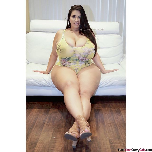 thick-bbw-model-sofia-rose