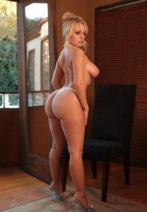 thick-blonde-big-round-ass