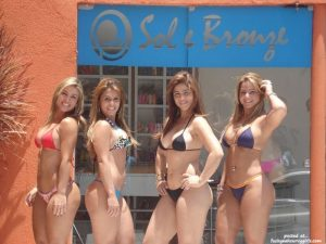 Thick And Curvy Latinas