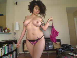 Thick Ebony Babe