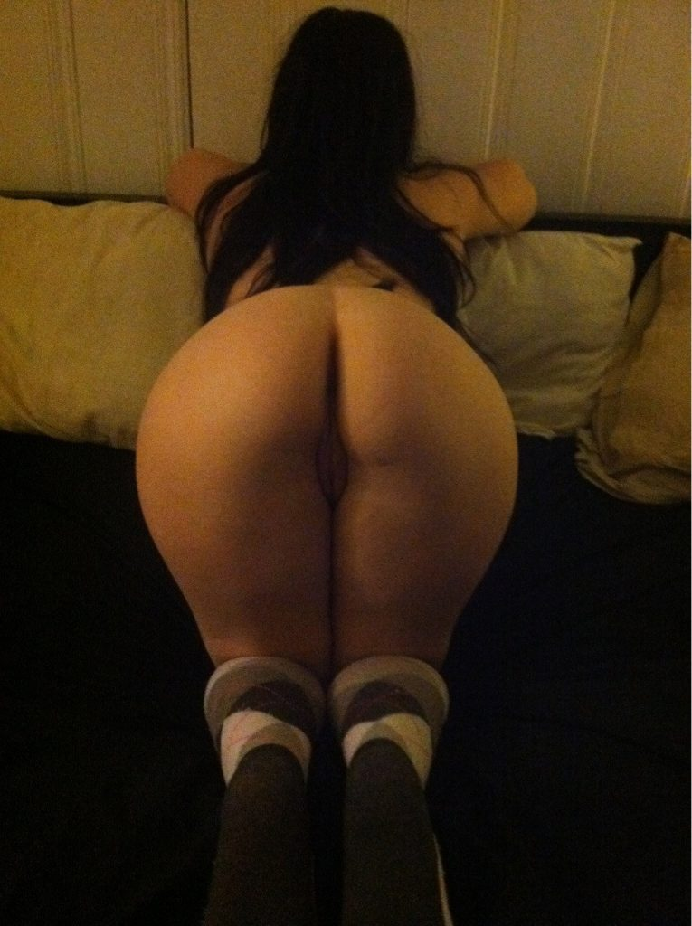 Thick Thighs And Socks - Fuck Yeah Curvy Girls-4799