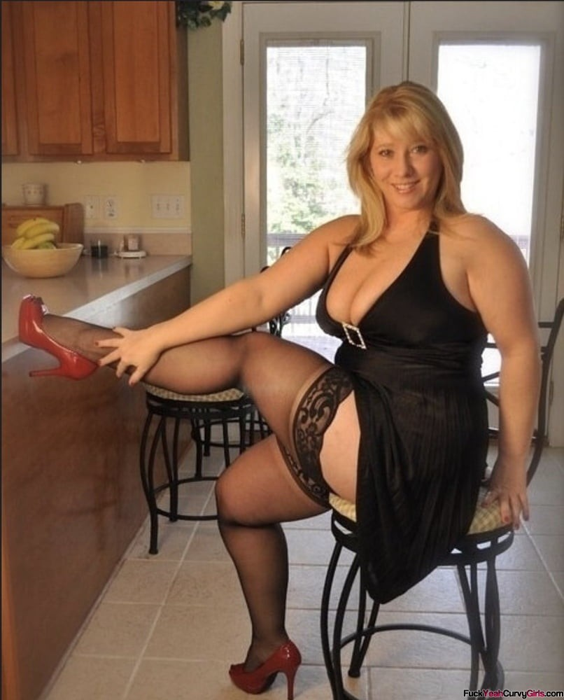 thick-milf-babe