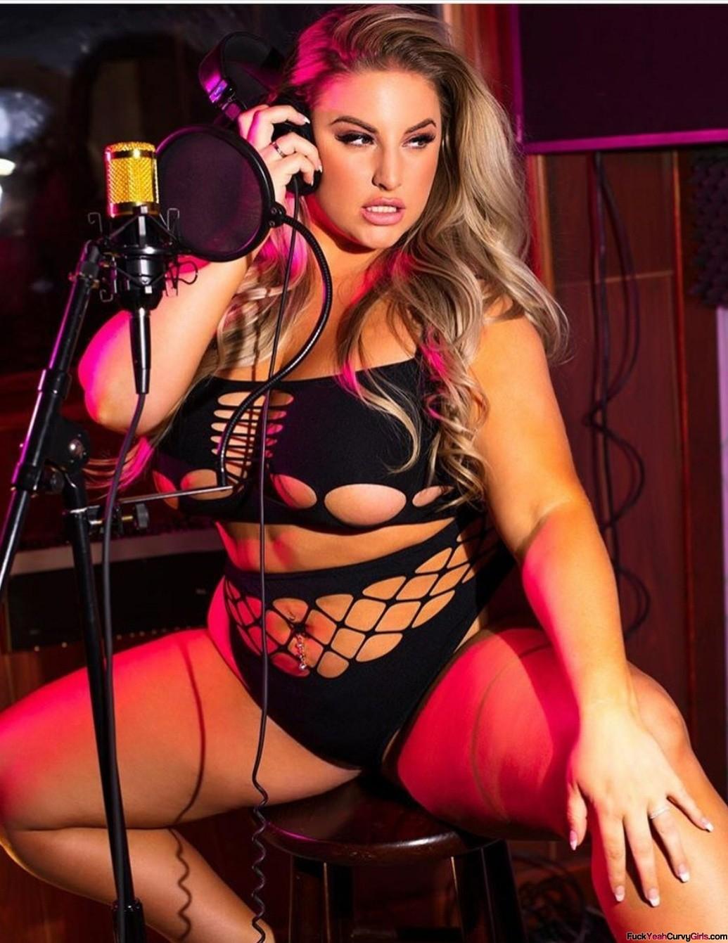 thick-model-Ashley-Alexiss