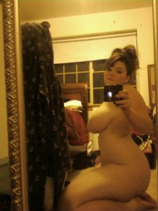 thick-selfie