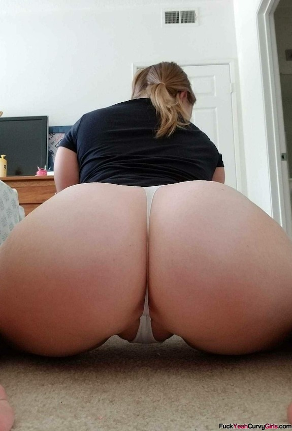 thick-white-girl-ass