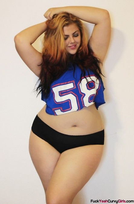 Curvy white girl thick hips
